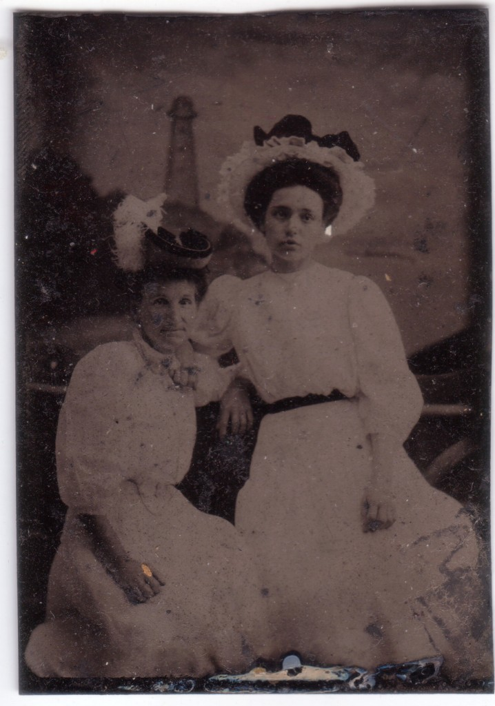 Ann Charnock Ratcliffe and daughter (Edith?)